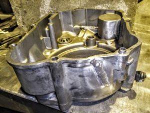 Сварка алюминиевой крышки коробки передач мотоцикла
